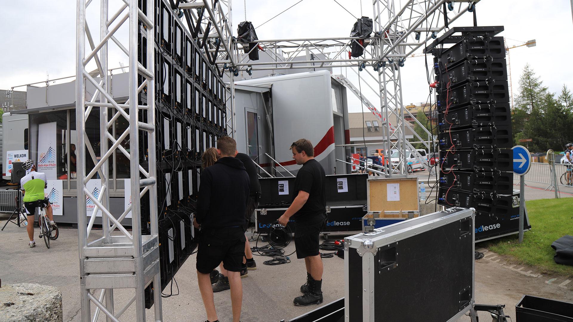 alpe-dhuzes-backstage